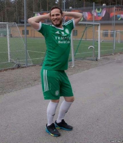 Gara-gara Kentut, Pemain Swedia Diusir Wasit ke Luar Lapangan