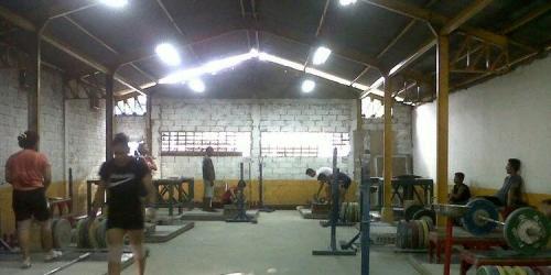Meski Berlatih di Kolong Jembatan, Wahyuni Sabet Medali Perak Olimpiade