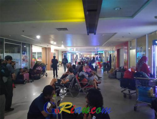 Setelah Diguyur Hujan, Aktivitas Bandara SSK II Pekanbaru Kembali Normal, 33 Penerbangan Terlanjur Dibatalkan