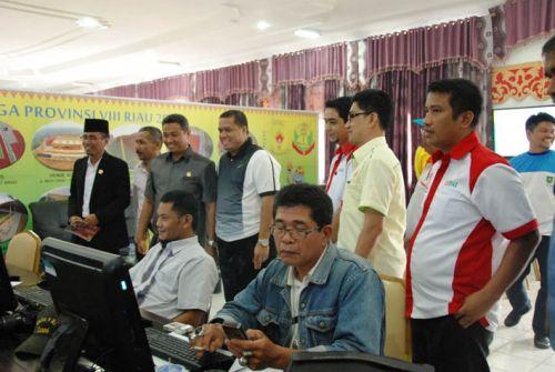 Didampingi Bupati Inhu, Anggota Komisi E DPRD Riau Tinjau Pelaksanaan Porprov