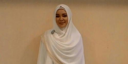 Keinginan Dewi Sandra Ini Getarkan Jiwa dan Bikin Netizen Berlinang Air Mata