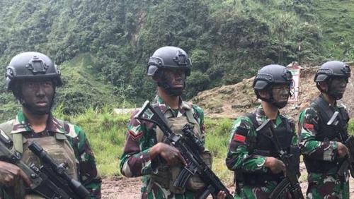 Prajurit TNI Tertembak Temannya di Papua, Dievakuasi dengan Helikopter