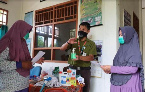 Bupati Pelalawan Tinjau Fasilitas Umum Cegah Covid-19