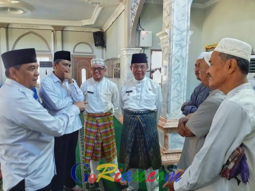 Jalan Rusak Puluhan Tahun Tak Diperbaiki, Tokoh Masyarakat di Tembilahan Curhat dengan Wagubri Edy Nasution