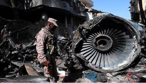 Pilot Asyik Bicara Virus Corona Sebabkan Pesawat Jatuh dan Tewaskan 97 Orang