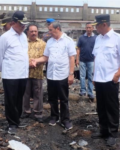 Bangun TPS untuk Pedagang yang Kiosnya Terbakar, Bupati Inhil Minta Rp5 Miliar ke Gubri