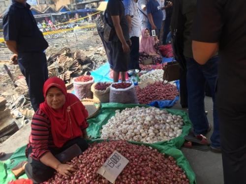 Jumpa Gubri, Pedagang Pasar Terapung Tembilahan Menangis dan Sampaikan Hal Ini