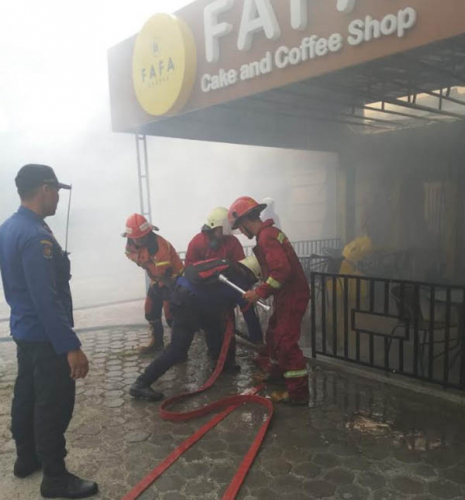 Sijago Merah Lahap Cafe di Pekanbaru