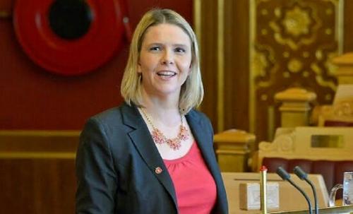Menteri Norwegia Minta Imigran Muslim Konsumsi Daging Babi dan Minuman Beralkohol