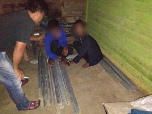 Curi Besi SUTT, Dua Pemuda Dibekuk Polsek Rengat Barat Inhu