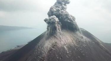 Gunung Anak Krakatau Tumbuh 6 Meter Per Tahun