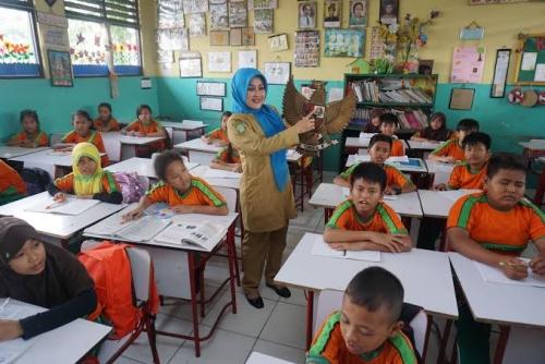 Pemerintah Ubah Sistim Penyaluran Tunjangan Profesi Guru