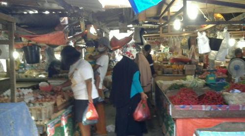 Hari Kedua Lebaran, Aktivitas Jual Beli Sudah Berjalan di Pasar Panam