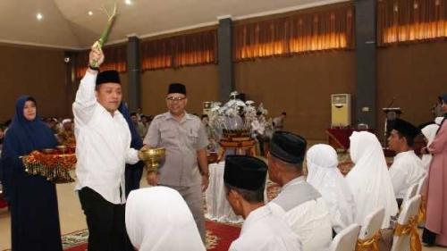 199 Jemaah Calon Haji PTPN V Ditepuk Tepungtawari