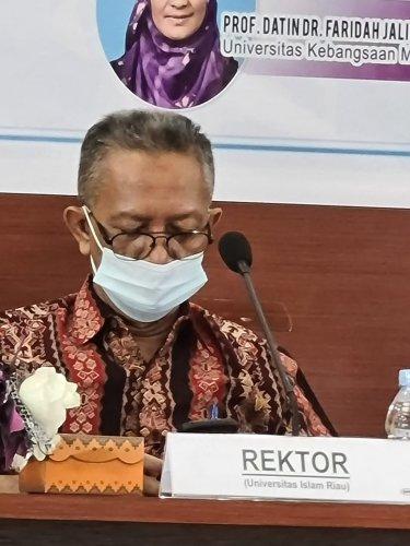 Rektor UIR Buka Webinar International Tiga Negara