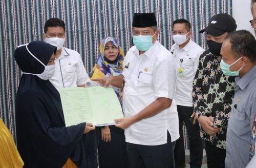 Lama Menanti, 219 Warga Kampung Mandi Angin Minas Akhirnya Terima Sertifikat Program TORA