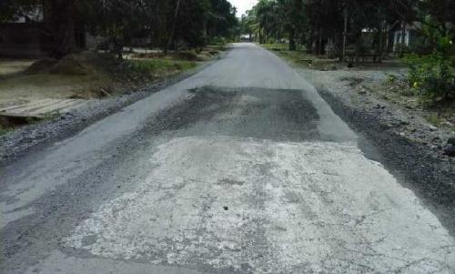 Belum Setahun Diaspal, Jalan Kota Baru-Selensen Sudah Rusak Lagi