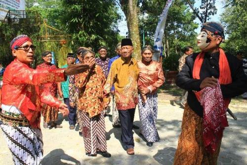 Luncurkan Buletin dan Halal Bihalal, Paguyuban Ngayogyokarto Riau Adakan Kirab Kasepuhan di Alam Mayang