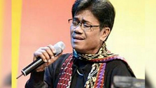 Penyanyi Senior Eddy Silitonga Meninggal Dunia