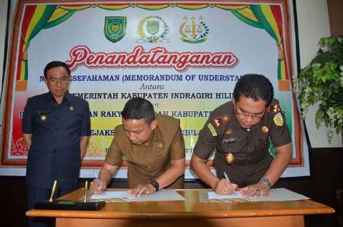 Penandatanganan Nota Kesepahaman antara Pemkab dan DPRD Inhil dengan Kejaksaan Negeri Tembilahan