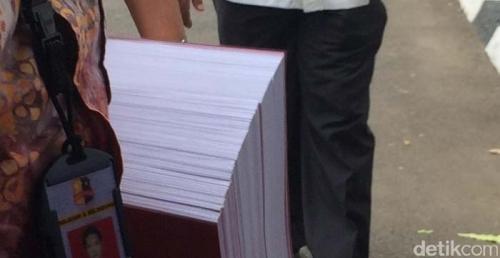 Lihat... Ini Dia Berkas Perkara Ahok: Terdiri dari 3 Bundel, Tebalnya 826 Halaman
