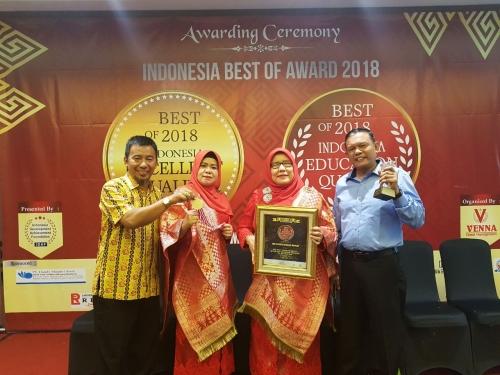 Luar Biasa, SMA Cendana Duri Raih Quality Education Award 2018