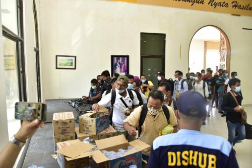 115 TKI Tiba Lagi dari Malaysia, Dikarantina di Gedung LAMR Bengkalis