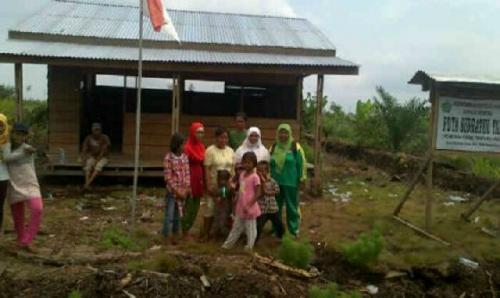 Tolong Pak Bupati, Kami Ingin Sekolah, Bangunkan Jalan dan Gedung Sekolah di Kampung Kami