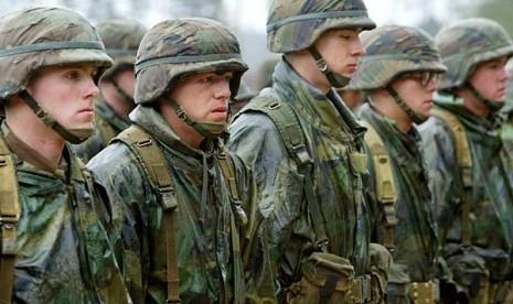 Karena Seorang Gay, Pejabat Tinggi Kementerian Pertahanan AS Ini Perbolehkan Gay Terlibat di Militer, Alasannya Karena...