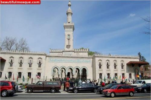 Di Masjid Inilah Warga Non Muslim AS Mendapat Pencerahan, Banyak Yang Terkesima Setelah Mendapat Penjelasan Dari Sang Imam