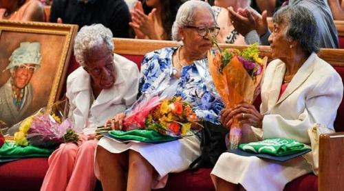 Bersahabat Sejak Kecil, 3 Nenek Ini Rayakan Ulang Tahun ke-100 Bersamaan