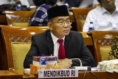 Jokowi Perintahkan Mendikbud Ubah PPDB Sistim Zonasi