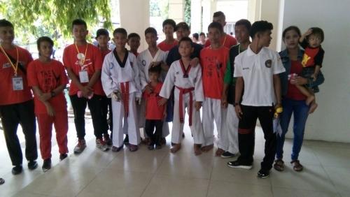 Dua Atlet Taekwondo Kandis Siak Bawa Emas dan Perunggu dari Kejurda di Gedung Olahraga Tribuana Pekanbaru