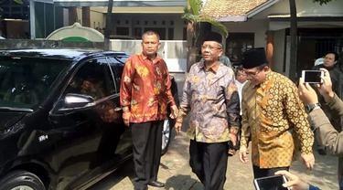 Mahfud MD Tiba di Kediaman Keluarga Gus Dur Jelang Kedatangan Maruf Amin
