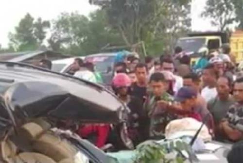 Kecelakaan Maut di Lintas Pekanbaru - Bangkinang, Pajero Tabrak Pohon, Pengemudi Meninggal di Tempat