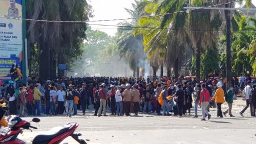 Demo di Kendari Ricuh, Seorang Mahasiswa Tewas, Peluru Menembus Dadanya