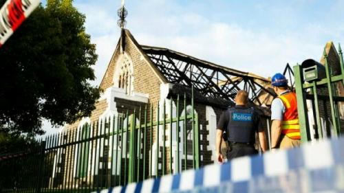Masjid Terbakar, Umat Kristen Tawarkan Muslim Shalat Jumat di Aula Gereja