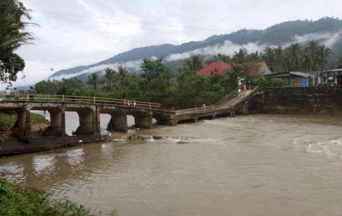 Diterjang Banjir, Jembatan Ambruk di Solok Selatan, Ini Penampakannya
