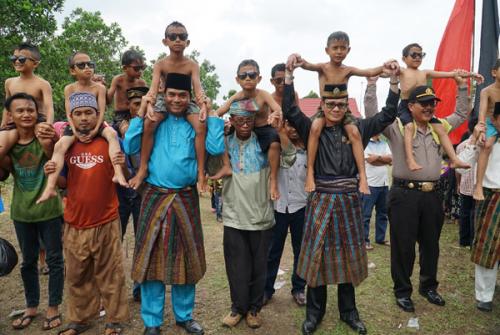 Sunatan Massal Berbalut Budaya Melayu