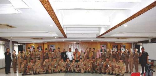 Kepala BKD Pekanbaru Lepas Keberangkatan 36 Wasana Praja IPDN