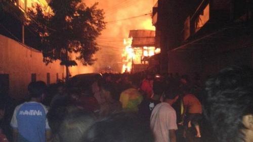 Kebakaran Hebat Hanguskan 600 Rumah di Jakarta Barat