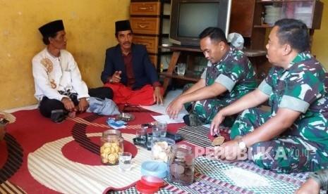 Dua Pria Kekar Pakai Penutup Wajah Serang Ustaz di Tasikmalaya Ahad Malam