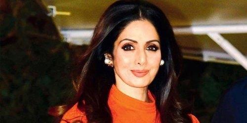 Aktris Bollywood Sridevi Tewas dalam Bathub, Hasil Autopsi Ungkap Penyebabnya Bukan Serangan Jantung, Tapi . . . .