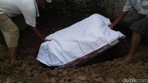 Wasiat dari Almarhumah Eno Parinah, Minta Kasur Berdarahnya Dikuburkan