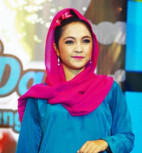 Miss Kamboja Kagumi Wanita Melayu Riau Karena Tetap Cantik Meski tanpa Gaun Seksi