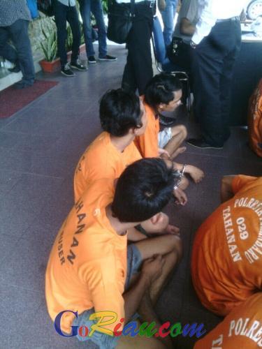 Gara-gara Suka Curi Motor di Kos-kosan, 3 Remaja Tanggung di Pekanbaru Ini Terpaksa Menyambung Hidup di Jeruji Besi