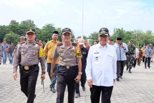 Mendarat di Tembilahan, Kapolda Riau Kunjugi TPS 15 dan 49