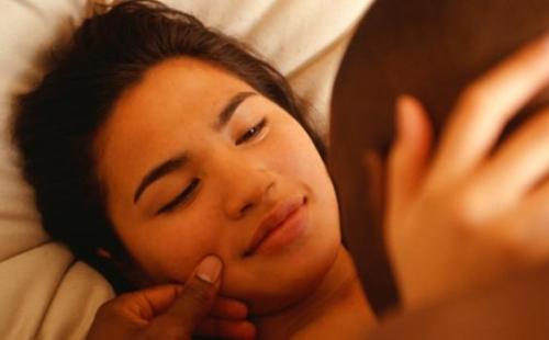 Pengantin Baru Tewas Gara-gara Ciuman Suami, Begini Penjelasan Dokter