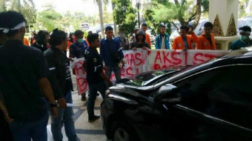 Dianggap Melecehkan Pelalawan, Mahasiswa Tuntut Kadisdik Syafruddin Dicopot