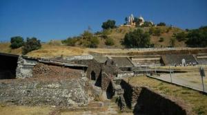 Piramida Terbesar di Dunia Tersembunyi di Bawah Gereja Kecil Kuno, Saksi Bisu Kebiadaban Bangsa Spanyol